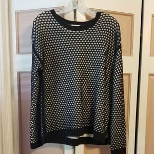 Old Navy black and white sweater size Medium
